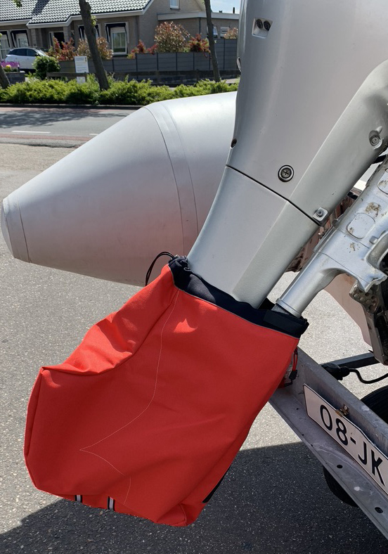 Propellor Cover Red XL